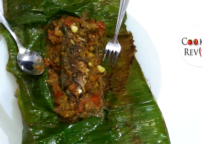 Tawa Fried Fish in Banana Leaves